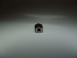 Hundehütte Holz, Spitzdach, H0 / H0e