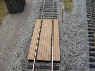 Einlagen für Bahnübergang, neue Bretter, H0