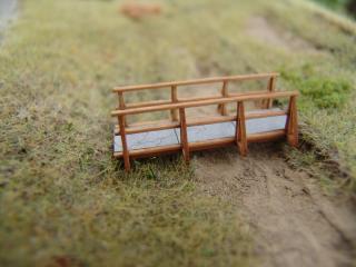 Holzbrücke mit Betonfeldern, H0 / H0e